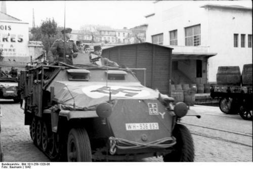 Südfrankreich, Hafen, Schützenpanzer